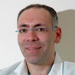челюстно-лицевой хирург в больнице Шиба